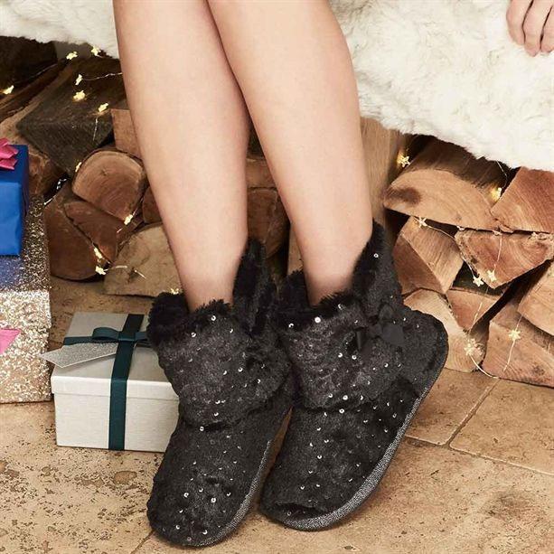 Avon Womens Black Slippers Boots Ladies