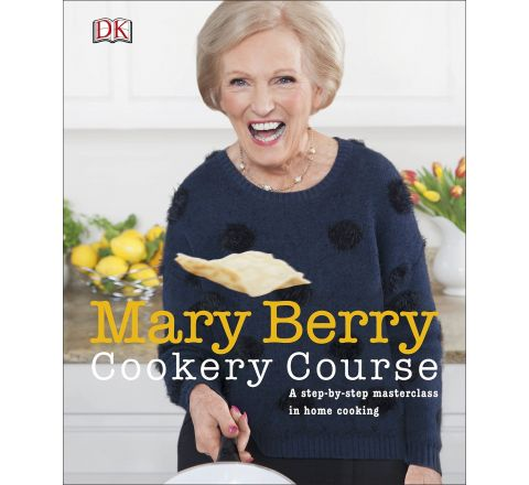 Mary Berry Cookery Course: A Step-by-Step Masterclass in Home Cooking Hardback – 1 July 2015