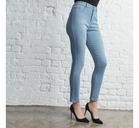 Avon Jeanetic Skinny Jeans - Light Wash